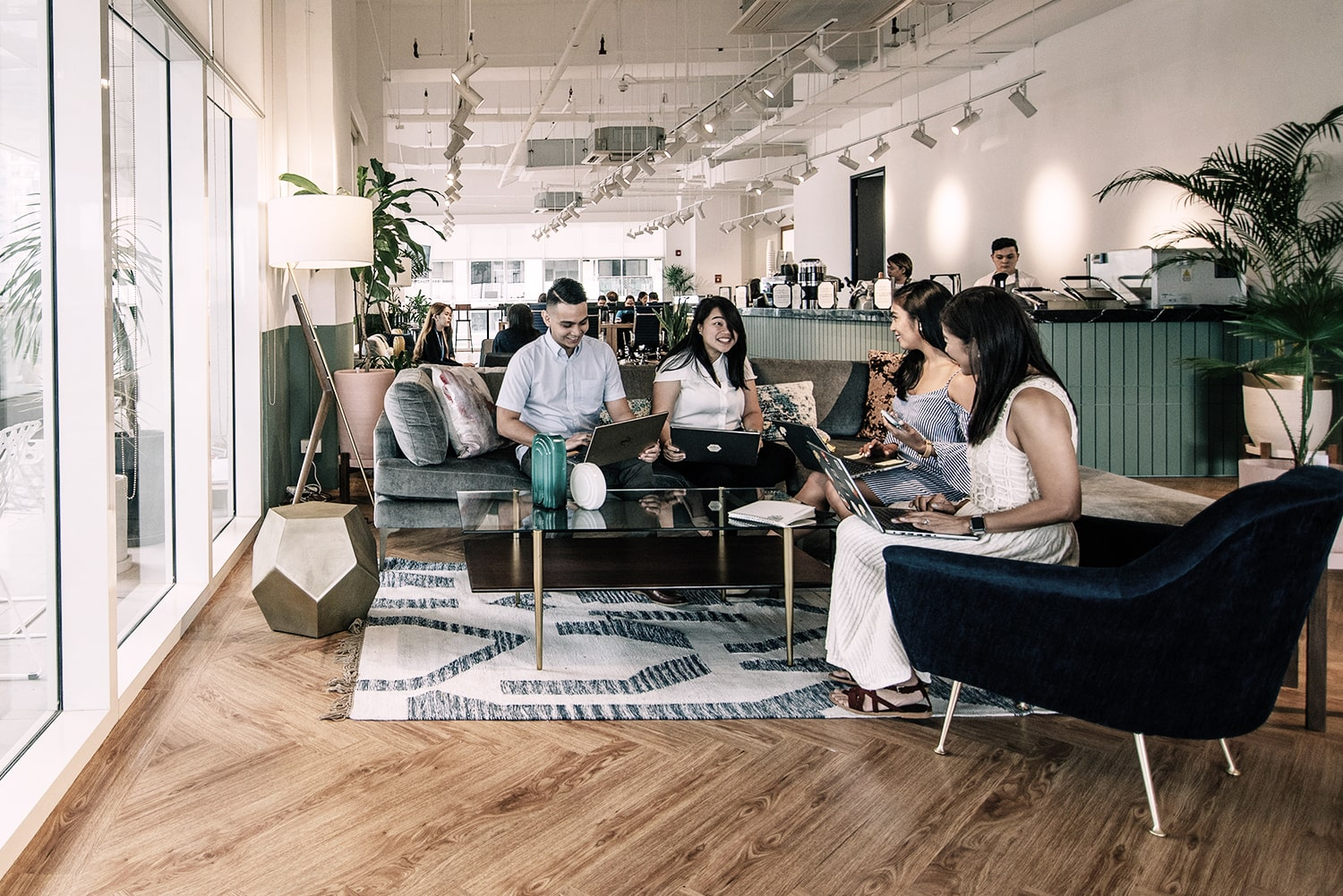 Coworking Advantages and Disadvantages